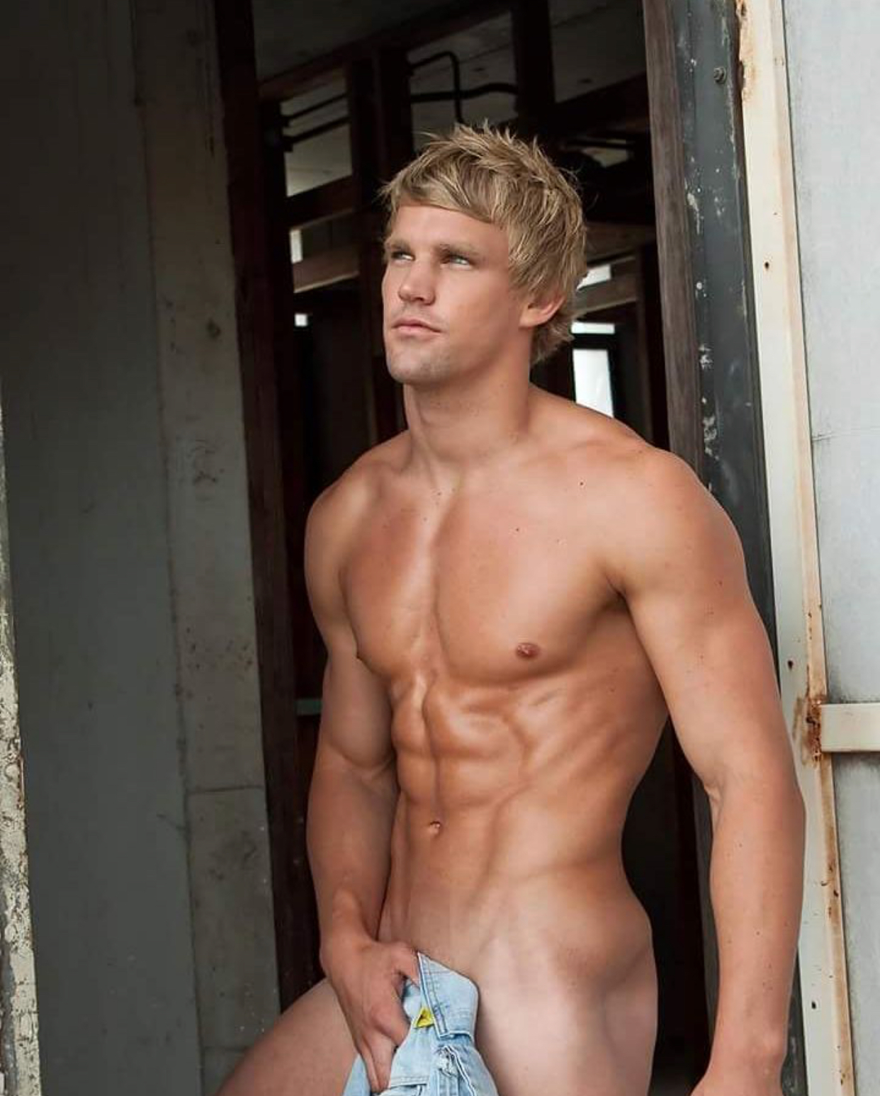 Muscled Blond Hunk Wesley Seaton Jerked Off By Cameron Donald Nude Gay Porn Pics