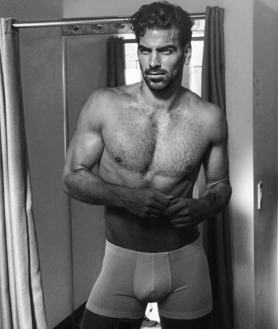 Naked nyle dimarco Nyle DiMarco